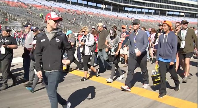 Fans take a lap at Texas Motor Speedway in Fitness Challenge Powered by Diabetes
