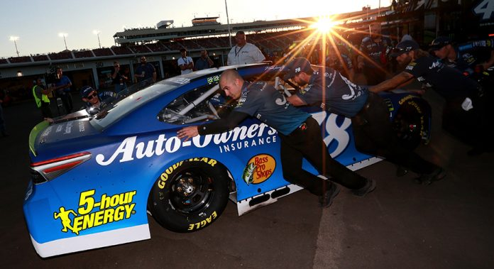 No. 78 car chief ejected for elimination race at Phoenix