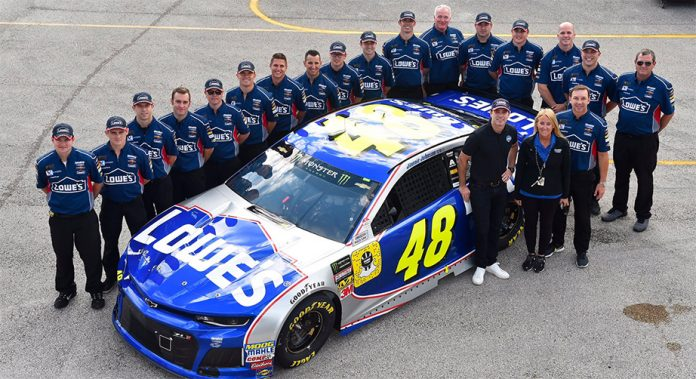 Jimmie Johnson and the No. 48 crew pose for a group photo in Miami.