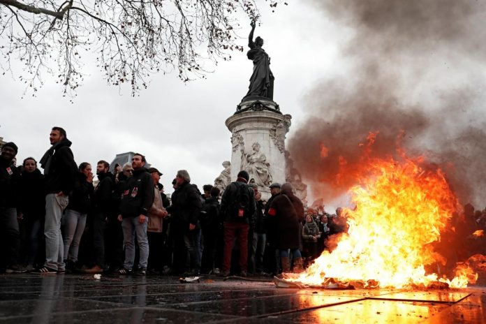 French government defends heavy-handed police tactics against students