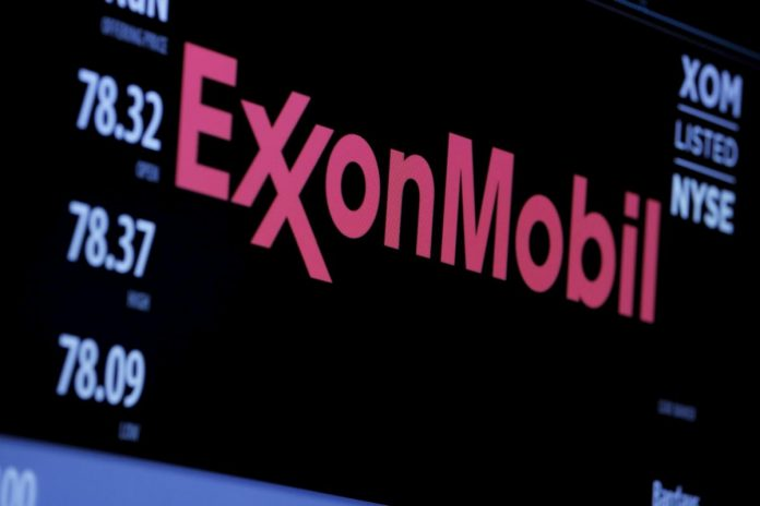 Shareholders call on ExxonMobil to set greenhouse gas reduction targets