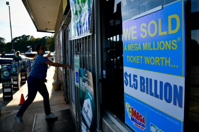 Mega Millions drawing could deliver biggest Christmas lottery gift ever
