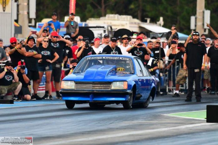 THIS LONG-DISTANCE COMMODORE DELIVERS ON DRAG RADIALS
