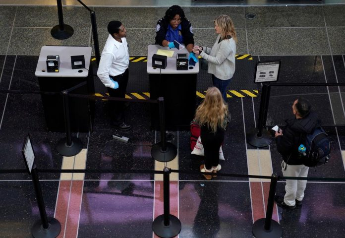 U.S. House committee queries airport staffing during shutdown