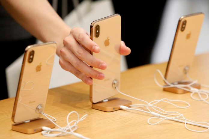 Apple cuts first-quarter production plan for new iPhones by 10 percent: Nikkei