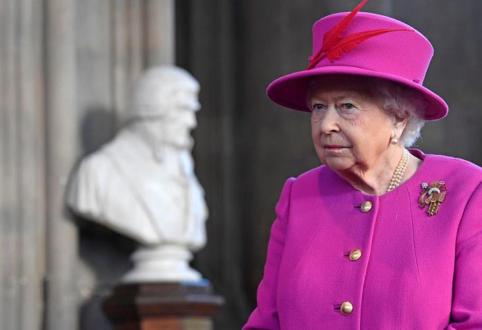 Queen sends Brexit message to UK politicians - end your bickering