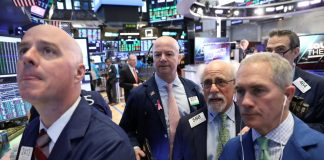 Stock futures pare gains after retail sales data
