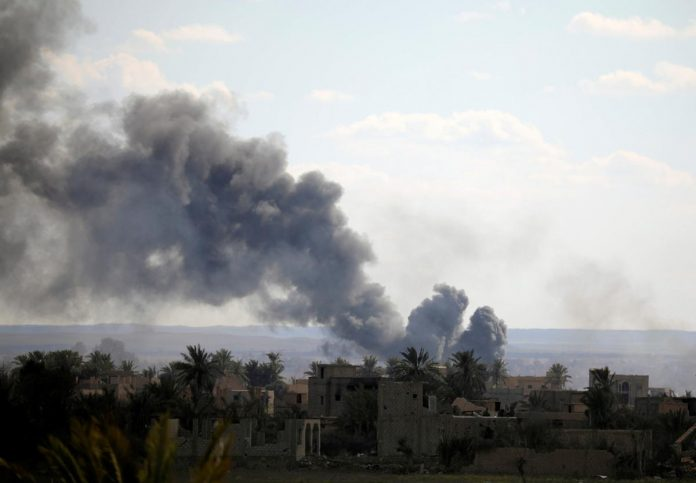 Islamic State deploys car bombs in defense of last enclave