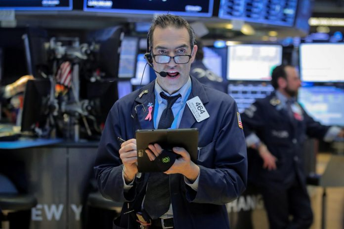 Global stocks, dollar fall as global growth worries mount