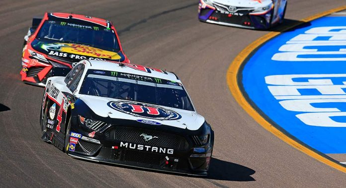 Kevin Harvick sets the pace ahead of Martin Truex Jr. and Denny Hamlin at ISM Raceway.