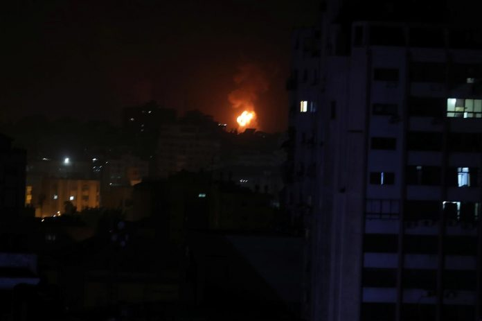 Israeli warplanes strike Gaza after rockets fired toward Tel Aviv