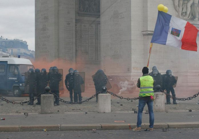Fresh clashes as France's yellow vests seek new momentum