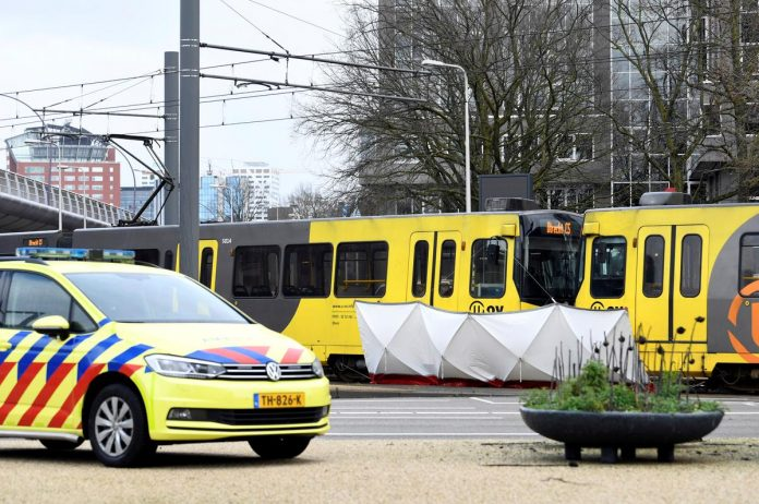 Dutch police hunt for Turkish man after tram shooting