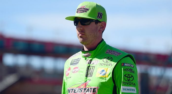Kyle Busch sweeps stages in Auto Club 400