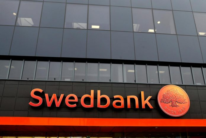 Swedbank may have misled U.S. over client links to Panama Papers: Swedish TV