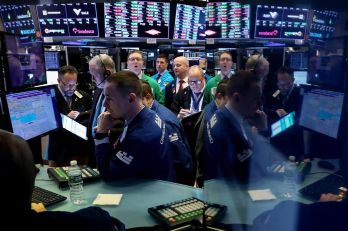 S&P 500, Dow advance with trade talks in focus