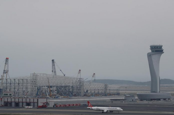 Last flight leaves Ataturk as Istanbul switches airports