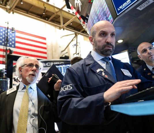 Wall Street hits a lull after weak Intel results, mixed GDP report