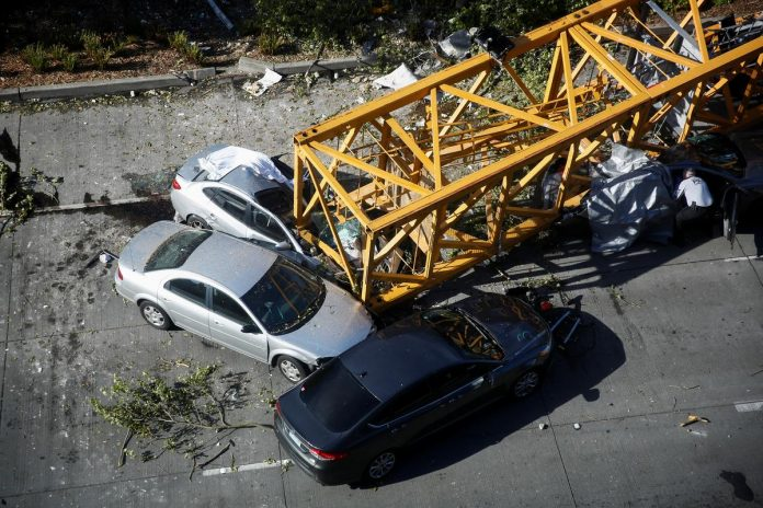 Crane collapse kills four, injures three in Seattle