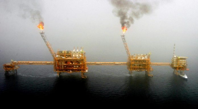 Iran changes tactics, destinations on oil exports, maritime official says