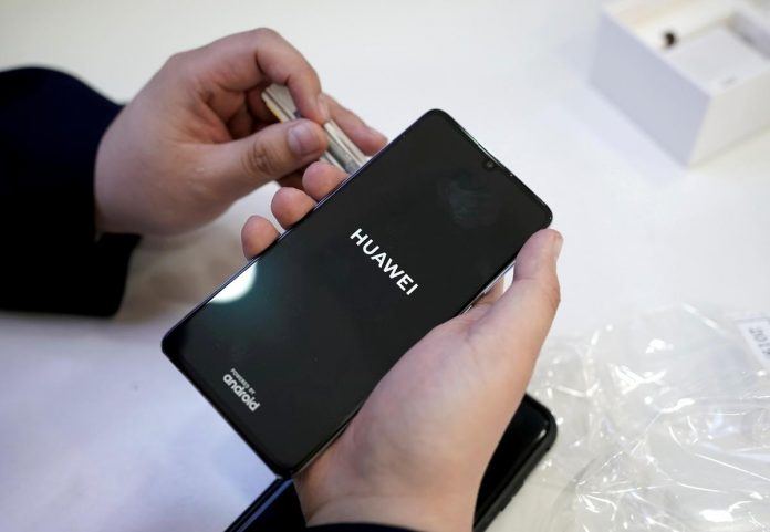 Huawei shipments could fall by up to a quarter this year: analysts
