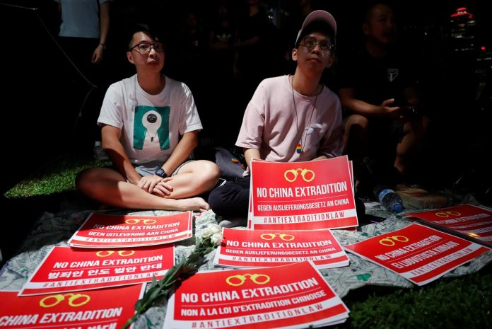 Thousands rally in Hong Kong in fresh protests against extradition bill