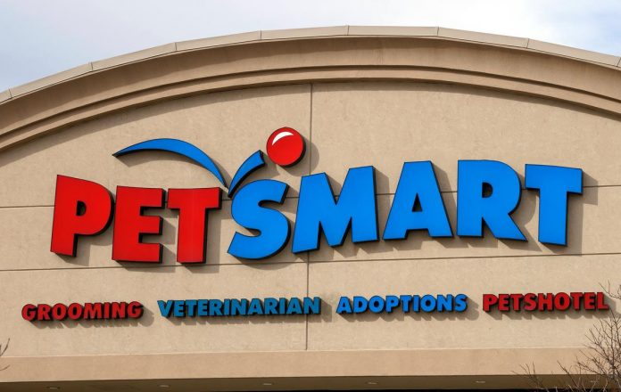 PetSmart's Chewy gets Wall Street tails wagging with $1 billion IPO
