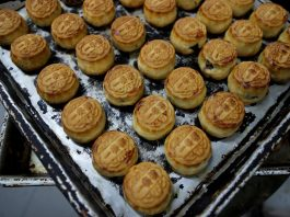 Mooncakes, hymns and post-it notes: the color of Hong Kong's protests