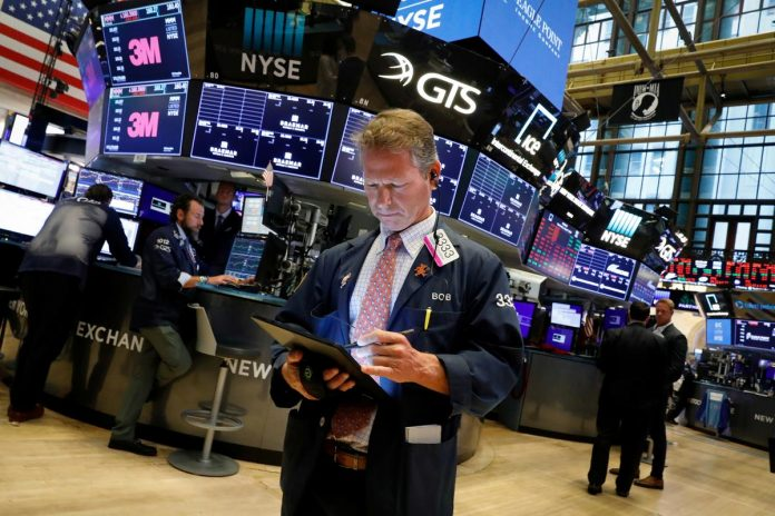 S&P 500 erases big losses to end up; investors buy bargains, yields off lows