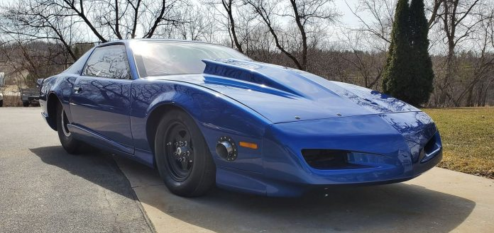 Grant Chapman's Family-Built 1991 Firebird
