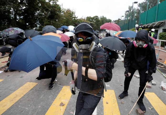 Police fire tear gas as Hong Kong hunkers down for fresh chaos