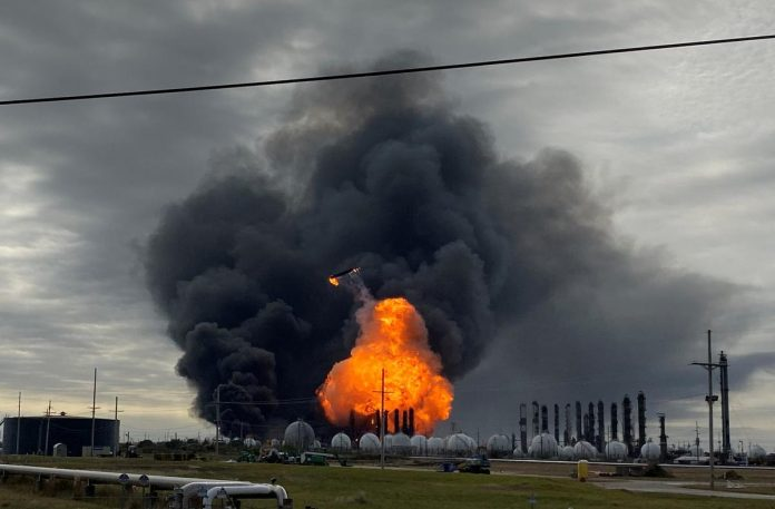 Residents flee fourth major Texas petrochemical fire this year