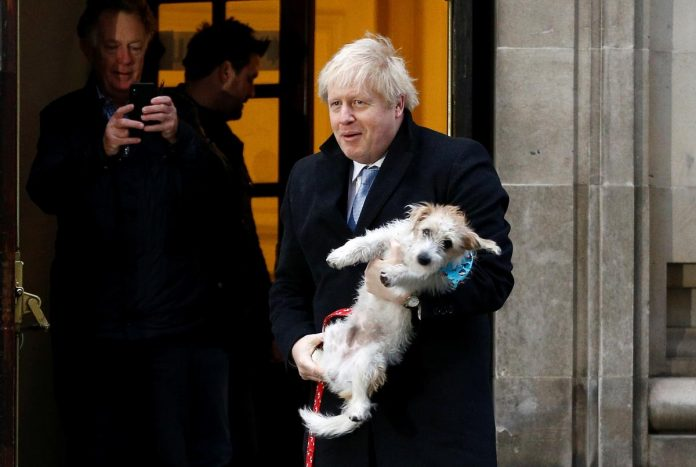 UK heads towards Brexit as Johnson on course for decisive win