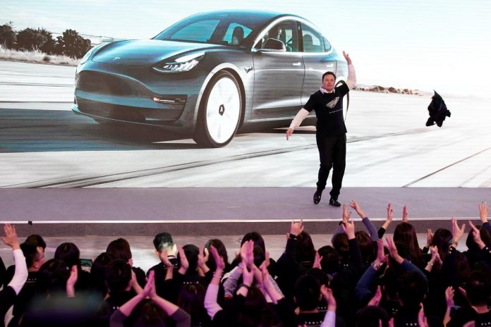 Stripteasing Musk launches Tesla SUV program In China