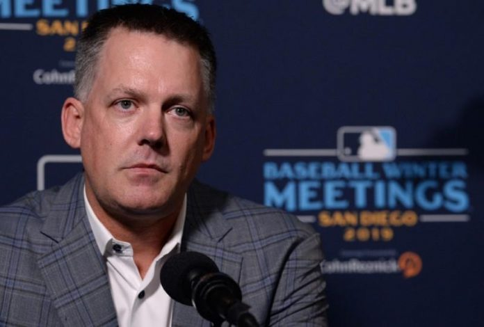 Astros manager, GM suspended one year over cheating scandal
