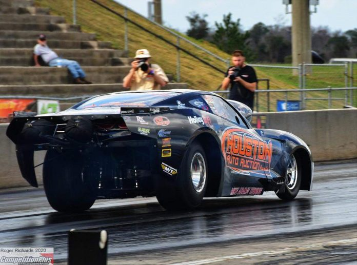 BIRT THUNDERS TO EARLY LEAD IN LIGHTS OUT 11 QUALIFYING