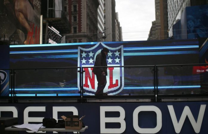Players vote to approve NFL owners' proposed labor deal