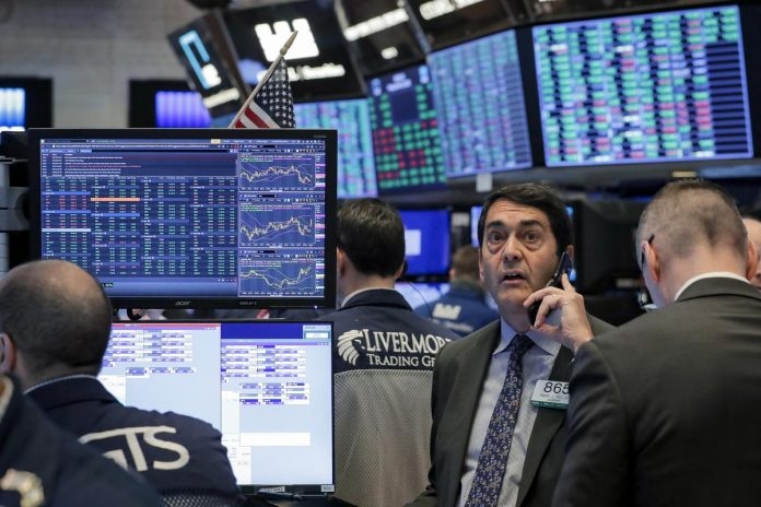 S&P 500 rallies for second day as investors await economic aid package