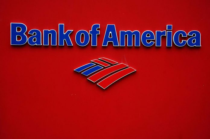 Big U.S. banks start accepting small business aid requests