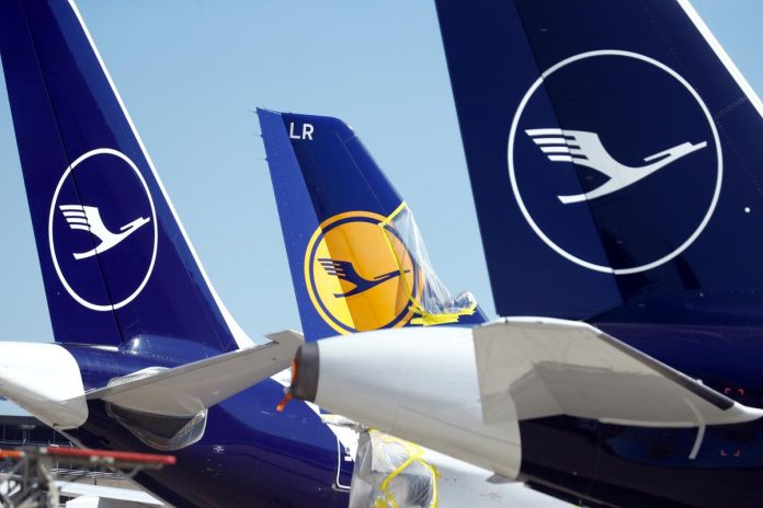 Lufthansa closes in on $10 billion state rescue deal