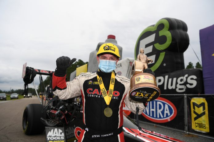 STEVE TORRENCE GRABS POINTS LEAD WITH FINAL-ROUND DEFEAT OF DAD AT GATORNATIONALS